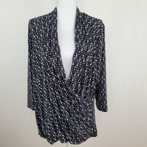 Vince Camuto 2X black and white blouse